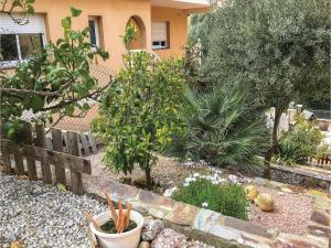Four-Bedroom Holiday Home in Calafell, Case vacanze  Calafell - big - 18