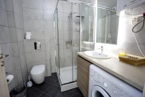Budva Bay Breeze Apartments, Ferienwohnungen  Budva - big - 87