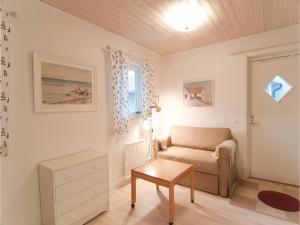 One-Bedroom Holiday home Lärbro 0 06, Dovolenkové domy  Valleviken - big - 3