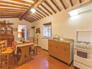 Holiday home Loc. Ama in Chianti, Holiday homes  San Sano - big - 25