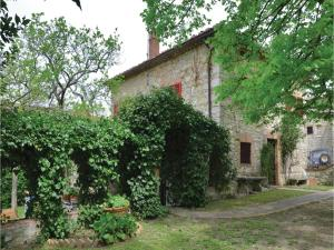 Three-Bedroom Holiday home with a Fireplace in Gaiole in Chianti SI, Dovolenkové domy  San Sano - big - 2