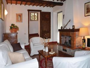 Three-Bedroom Holiday home with a Fireplace in Gaiole in Chianti SI, Dovolenkové domy  San Sano - big - 10