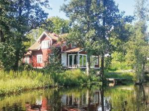 Holiday home Rällsvik Kopparberg, Dovolenkové domy  Kopparberg - big - 2