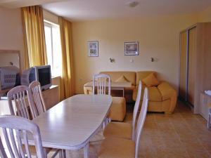 Apartment Village of Kranevo B, Rositsa st. III, Apartments  Kranevo - big - 6