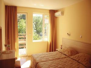 Apartment Village of Kranevo B, Rositsa st. III, Apartments  Kranevo - big - 8