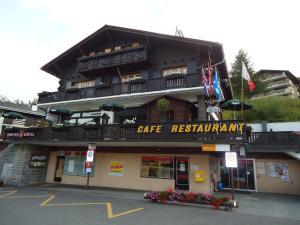 Les Fougères Hotel and Bar - La Tzoumaz