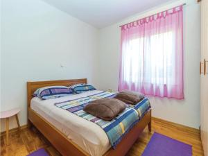 Two-Bedroom Apartment in Crikvenica, Apartmanok  Crikvenica - big - 3