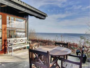 Three-Bedroom Holiday home Bjert with Sea View 08, Prázdninové domy  Sønder Bjert - big - 22