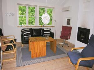 Holiday home Furvej, Ferienhäuser  Amtoft - big - 5