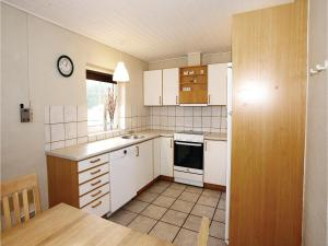 Holiday Home Ulfborg with a Fireplace 9, Дома для отпуска  Fjand Gårde - big - 17