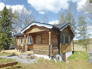Two-Bedroom Holiday home with Sea View in Sparreholm, Ferienhäuser  Sparreholm - big - 1