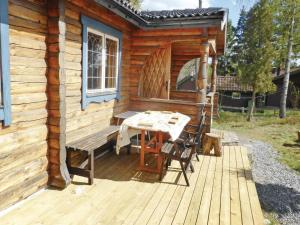 Two-Bedroom Holiday home with Sea View in Sparreholm, Ferienhäuser  Sparreholm - big - 9