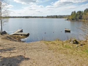 Two-Bedroom Holiday home with Sea View in Sparreholm, Ferienhäuser  Sparreholm - big - 7