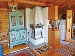 Two-Bedroom Holiday home with Sea View in Sparreholm, Ferienhäuser  Sparreholm - big - 6
