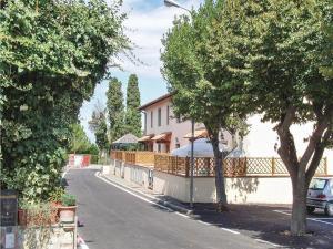 Apartment Via IV Novembre, Apartmány  Pieve di Santa Luce - big - 12