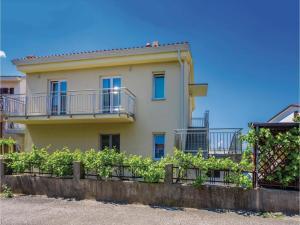 Apartment Malinska with Sea View I, Appartamenti  Malinska - big - 13