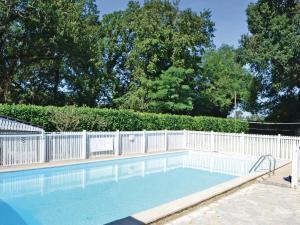 Holiday home A. Pouchiou, Case vacanze  Garrosse - big - 18