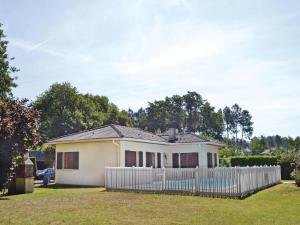 Holiday home A. Pouchiou, Case vacanze  Garrosse - big - 17