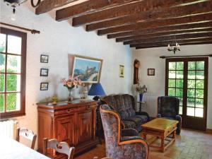 Holiday home A. Pouchiou, Case vacanze  Garrosse - big - 13