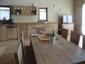 Two-Bedroom Holiday home Moravske Toplice with an Outdoor Swimming Pool 07, Holiday homes  Moravske-Toplice - big - 7