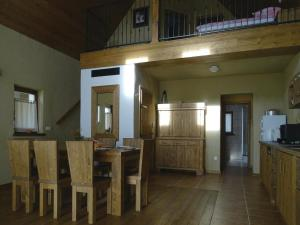 Two-Bedroom Holiday home Moravske Toplice with an Outdoor Swimming Pool 07, Holiday homes  Moravske-Toplice - big - 5