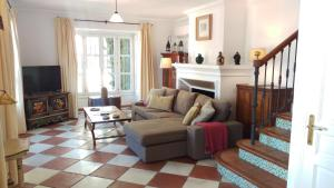 Spacious Family Retreat in Hills Above Marbella!.