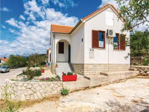 Two-Bedroom Holiday Home in Krusevo