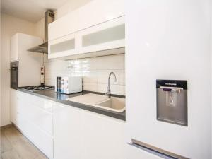Two-Bedroom Apartment in Sv.Filip i Jakov, Appartamenti  Sveti Filip i Jakov - big - 27