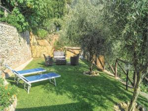Three-Bedroom Holiday home Metato Camaiore LU with Sea View 02, Holiday homes  Casoli - big - 20