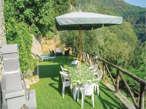 Three-Bedroom Holiday home Metato Camaiore LU with Sea View 02, Holiday homes  Casoli - big - 19