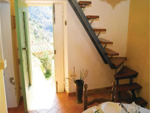 Three-Bedroom Holiday home Metato Camaiore LU with Sea View 02, Holiday homes  Casoli - big - 12
