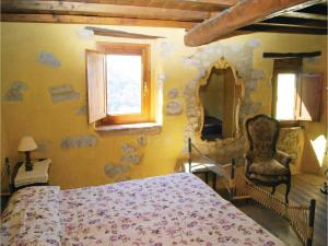 Three-Bedroom Holiday home Metato Camaiore LU with Sea View 02, Holiday homes  Casoli - big - 9