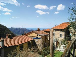Three-Bedroom Holiday home Metato Camaiore LU with Sea View 02, Holiday homes  Casoli - big - 21