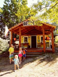 Bristol Cabins & Tents, Chaty  Lava Hot Springs - big - 39