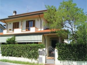 Villa Butterfly, Holiday homes  Torre del Lago Puccini - big - 6