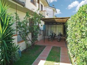 Villa Butterfly, Holiday homes  Torre del Lago Puccini - big - 17