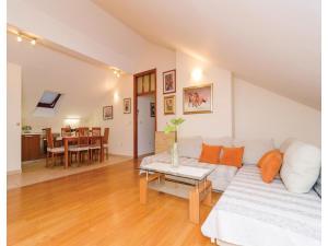 Apartment Bokeljska I