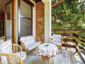 Two-Bedroom Apartment with Sea View in Rijeka, Appartamenti  Turan - big - 1