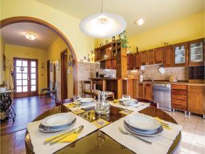 Two-Bedroom Apartment with Sea View in Rijeka, Appartamenti  Turan - big - 31