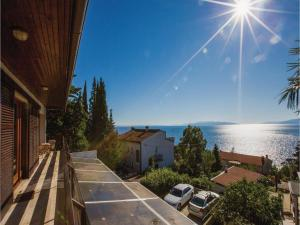 Two-Bedroom Apartment with Sea View in Rijeka, Apartmány  Turan - big - 38