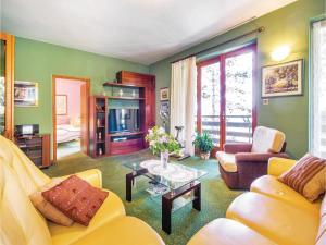 Two-Bedroom Apartment with Sea View in Rijeka, Appartamenti  Turan - big - 13