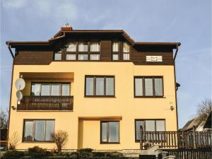 Four-Bedroom Apartment in Nova Lesna