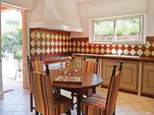 Holiday Home Le Rouret with a Fireplace 09, Holiday homes  Le Rouret - big - 45