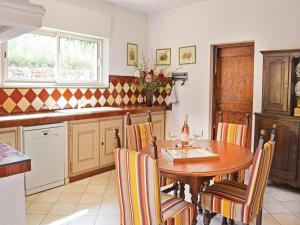 Holiday Home Le Rouret with a Fireplace 09, Holiday homes  Le Rouret - big - 44