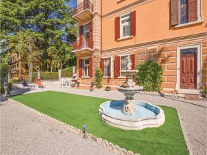 Villa Paolina, Dovolenkové domy  Gardone Riviera - big - 12