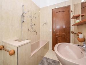 Villa Paolina, Dovolenkové domy  Gardone Riviera - big - 4