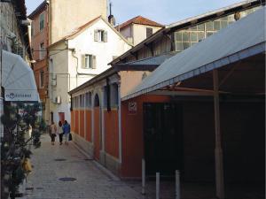 Three-Bedroom Holiday home in Split, Dovolenkové domy  Split - big - 4