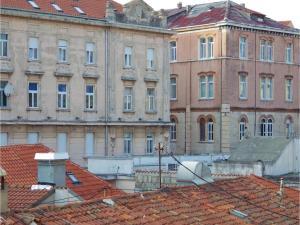 Three-Bedroom Holiday home in Split, Dovolenkové domy  Split - big - 21