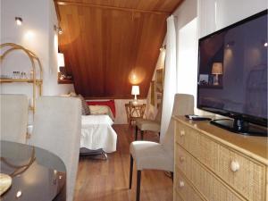 Three-Bedroom Holiday home in Split, Dovolenkové domy  Split - big - 3