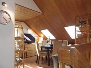 Three-Bedroom Holiday home in Split, Dovolenkové domy  Split - big - 2